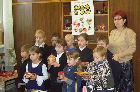 Надежда Константиновна со своими воспитанниками