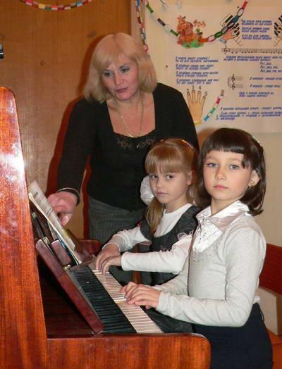 Светлана Александровна на занятии