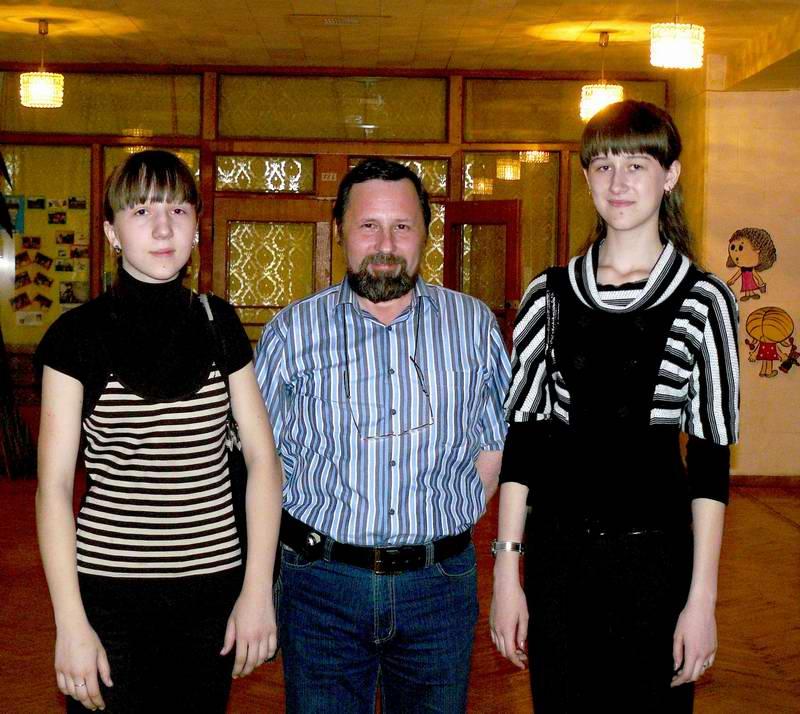 Владимир Викторович со своими воспитанницами